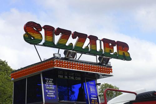 pat-collins-funfair-sizzler-ride-6